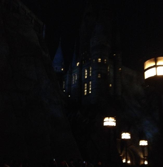 ホグワーツ城 夜.jpg